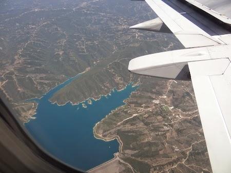 02. Zbor peste un lac albastru.JPG