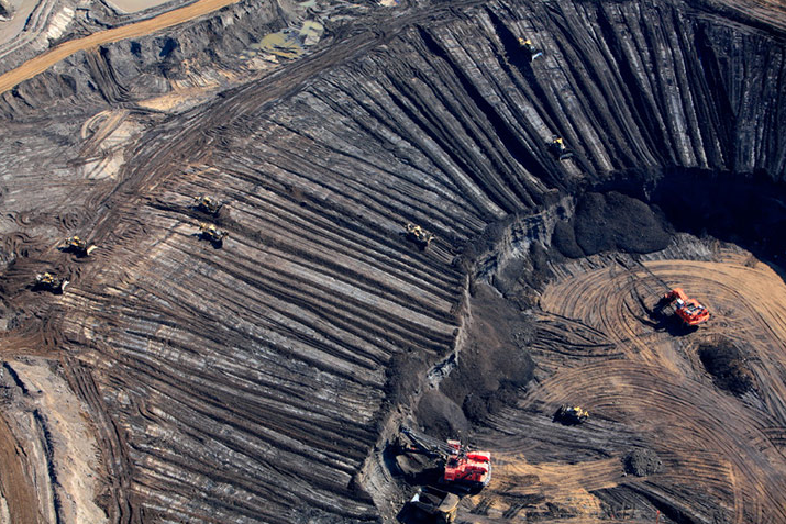 Aerial view of tar sands extraction in Alberta, Canada. Photo: Jiri Rezac / Greenpeace