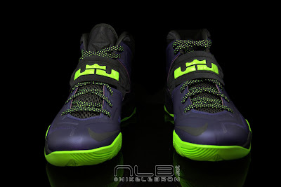 lebrons soldier7 purple volt 44 web black The Showcase: Nike Zoom LeBron Soldier VII JOKER