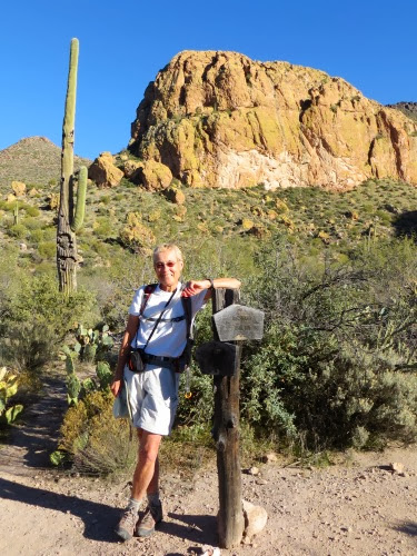 HikingAroundBlackTopMesa-11-2013-12-27-15-04.jpg