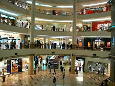 04. Surya Mall la Petronas.JPG