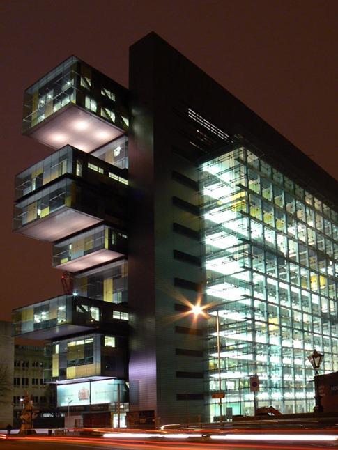 35. Centro de Justicia Civil de Manchester (Manchester, Reino Unido)