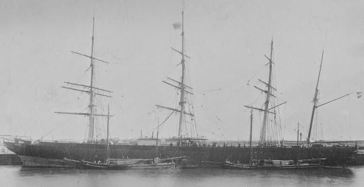 La PALMERSTON ya convertida en velero puro. Foto State Library of Victoria. De la web Trove.jpg