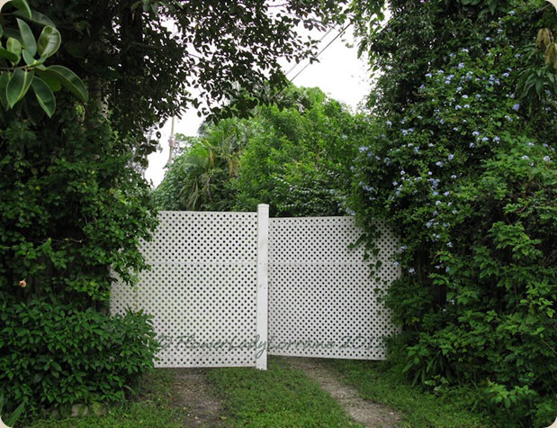 09-25-front-gate