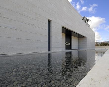Una casa contempor neamente lujosa con matices for Casa de lujo minimalista y espectacular con piscina por a cero