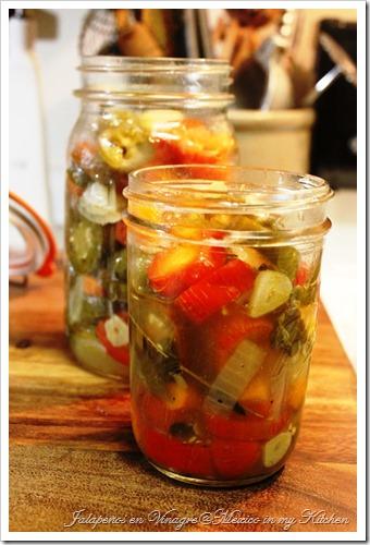 Jalapeños en Vinagre Pickles8