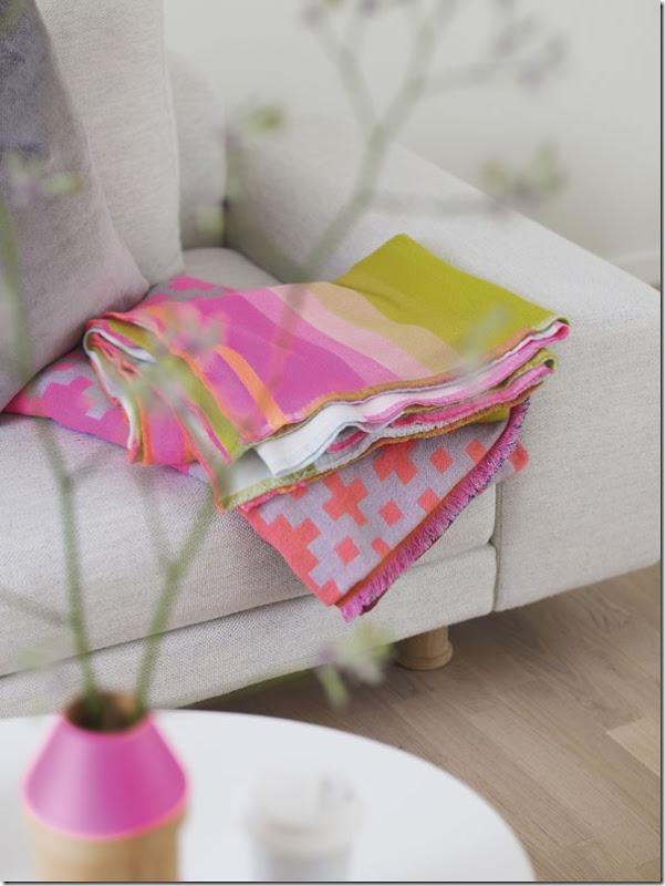 case e interni - casa Scandinava - accenti colori (2)