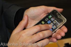 Um simples toque do seu dedo pode ser o suficiente para carregar o seu dispositivo portátil, graças a uma descoberta feita na RMIT University e Universidade Nacional Australiana.