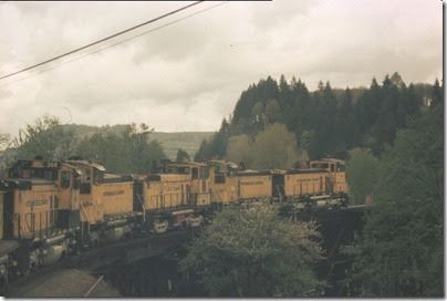 56154116-16 Weyerhaeuser Woods Railroad (WTCX) Cowlitz River Bridge at Kelso, Washington on May 17, 2005