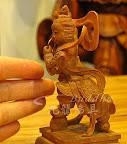 分享三寸六-中壇元帥-原木色木雕太子~檀香木製+{小糗的阿婷和新朋友曾小姐的故事}