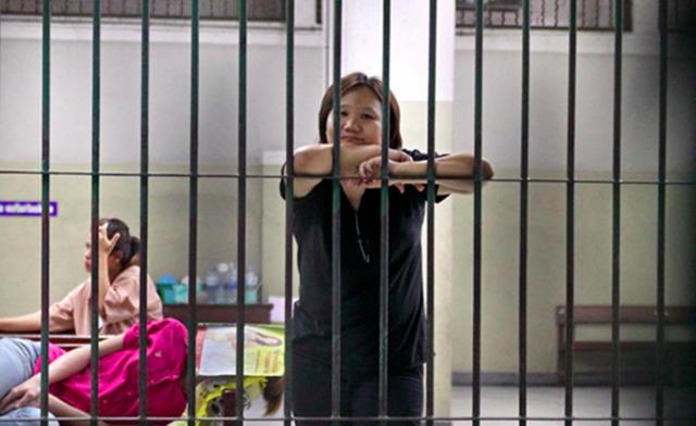 """Στην Ταϊλάνδη πας φυλακή για ένα """"like"""""""