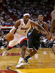 lebron james nba 121107 mia vs bro 04 King James wears 5 Colorways of Nike LeBron X in 6 Games