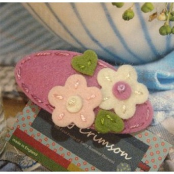 may-crimson-handmade-double-daisy-felt-hair-clip
