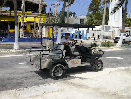 Isla muheres photos: golf electric cars