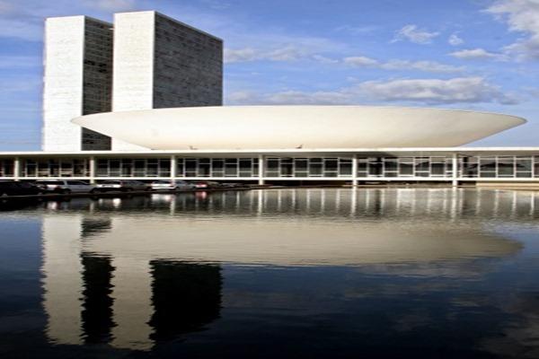 Congreso-de-Brasil-obra-de-Niemeyer-del-año-1960