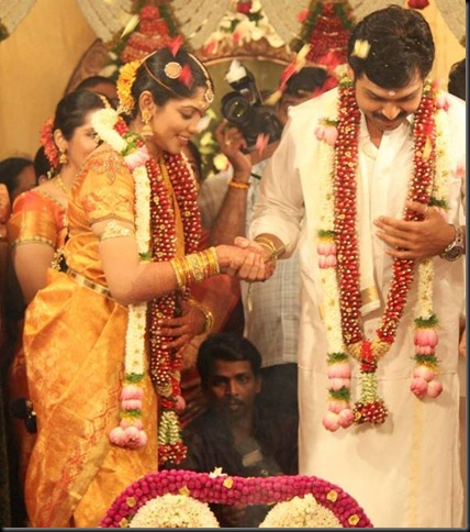 Karthi ranjini marriage stills_001