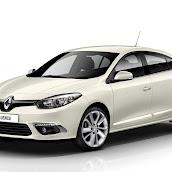 2013-Renault-Fluence-1.jpg