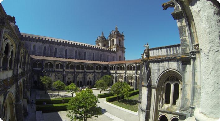 Un plan large sur ce très beau monastère (merci la GoPro)