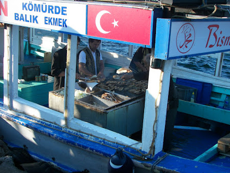 Imagini Istanbul: peste de vanzare in Eminonu