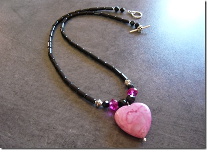 pink heart necklace1