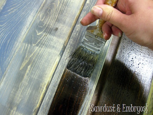 DIY Aged and Distressed Barn Boards {Sawdust & Embryos}