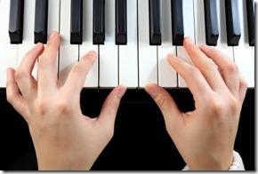 1 a vas tocando piano1
