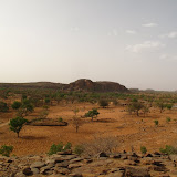 Vue du village dogon de Songho depuis une colline avoisinante
