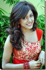 vithika_sheru_new_beautiful_photos