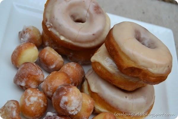 Maple-Glazed-Donuts (1)