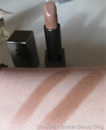 Burberry-Nude-Cashmere-Lipstick-swatch
