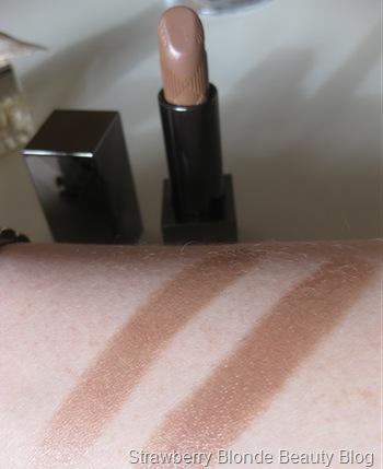 Burberry-Nude-Cashmere-Lipstick-swatch