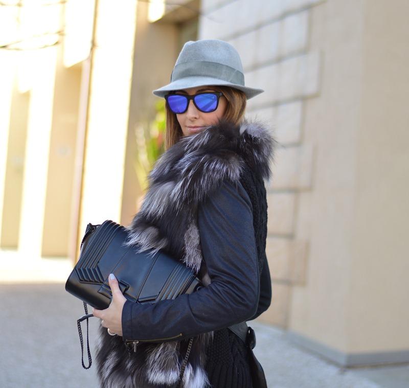 Fur, Gilet Pelliccia, Pelliccia, Zara, Borsa Zara, Zara Bag, Oakley, Oakley Frogskins, Occhiali Specchiati, Occhiali a specchio, Borsalino, Borsalino Hat