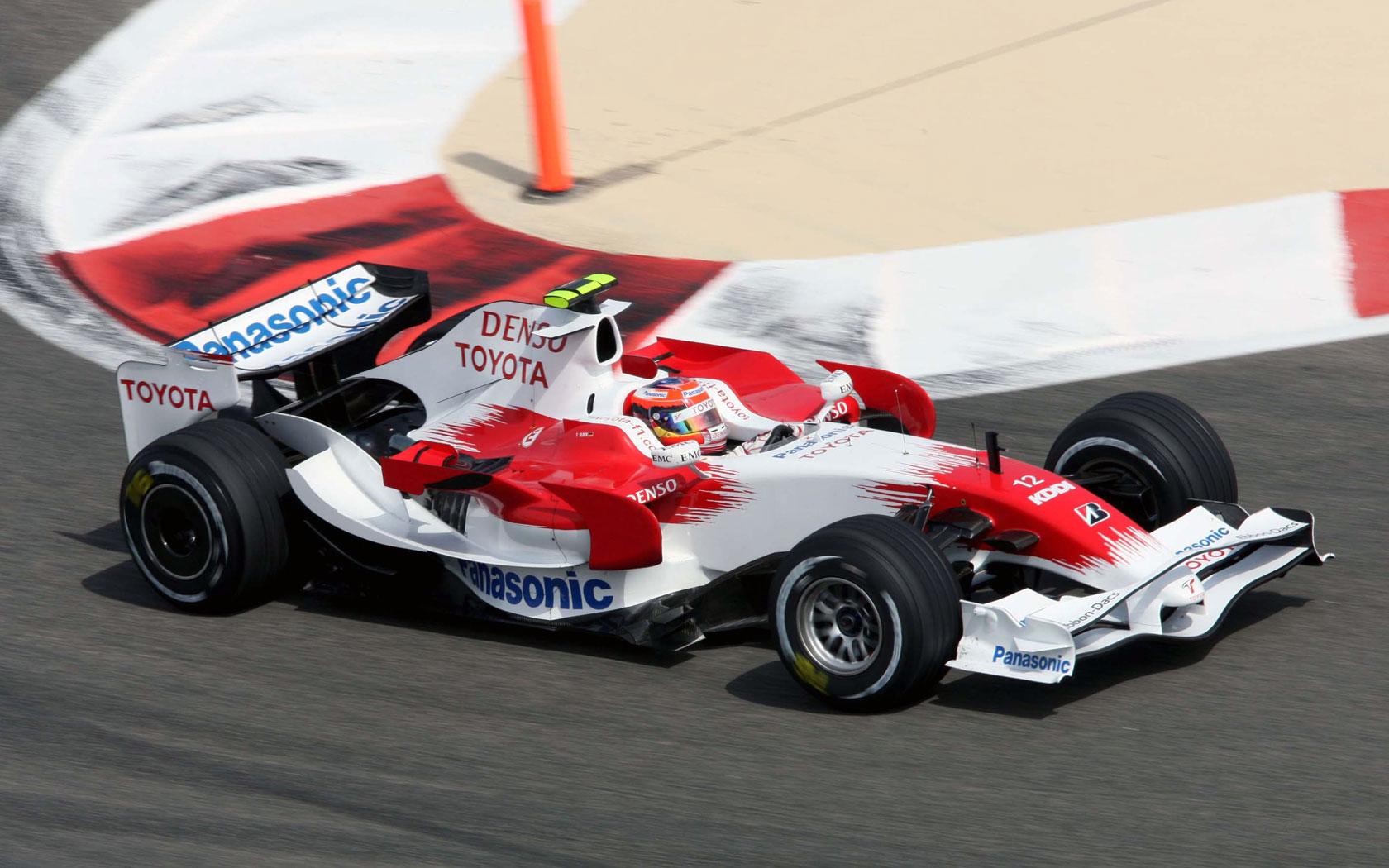 Toyota F1, equipe histórica de Formula 1 de 2008 - by f1-fansite.com