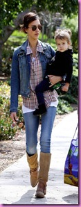-jessica-alba-7-for-all-mankind-denim%20jacket-double-denim-jt-440