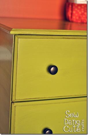 Close-up-Dresser