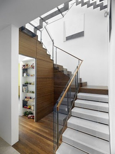 STAIRS 542