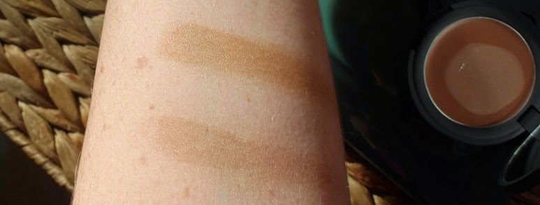 Topshop-Contour-Cream-Sweep-Swerve-swatches-blended-