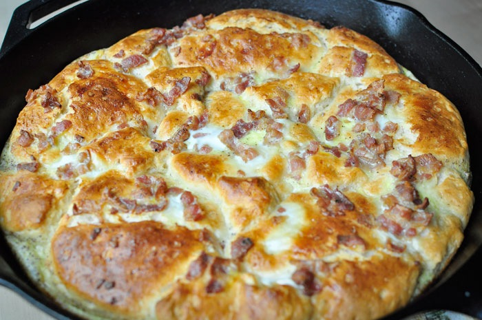 Rustic Cast Iron Breakfast Pizza Recipe: One dish meals from monicawantsit.com