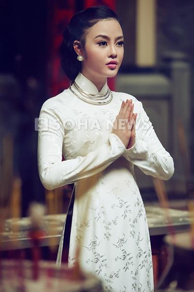 julia-ho-dam-tham-ao-dai-xua (5)