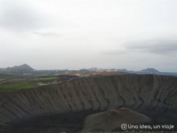 Hverfel-crater-Islandia-3.jpg