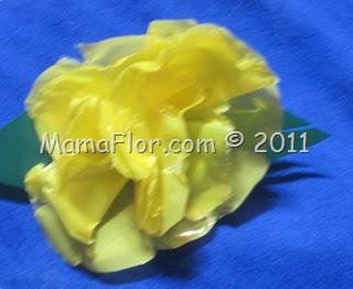 Flores Elaboradas con Bolsas Plásticas