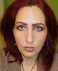 look wearing Urban Decay's Naked On The Run Palette