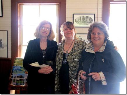 Donna,Karen&Linda06-24-11a