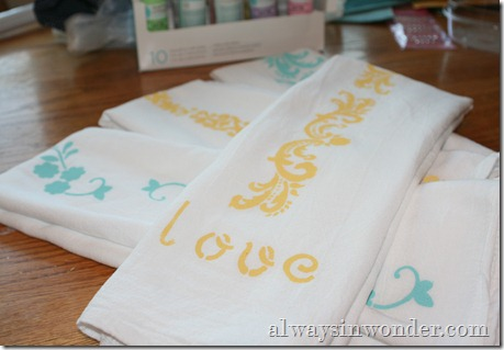 Stenciling Flour Sack Dish Towels (20)