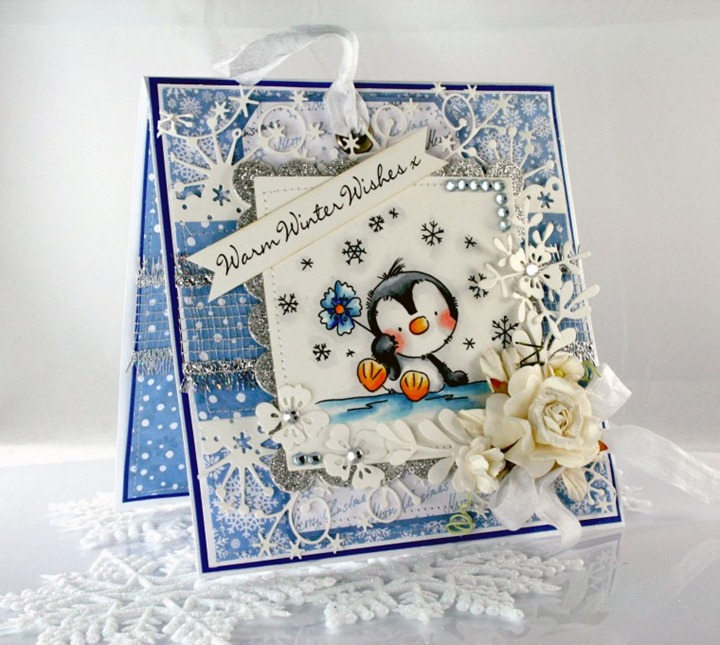 Claudia Rosa_Penguin with flower_1