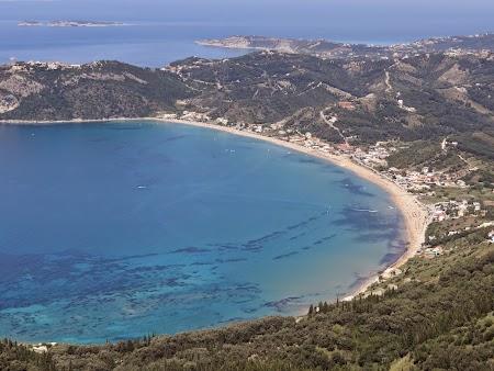 08. Plaja Ag. Georgios.JPG