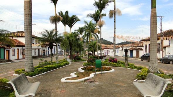 Praça Matriz de Santana dos Montes