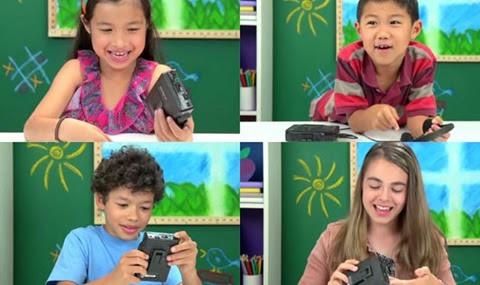 Estos niños no saben lo que es un walkman