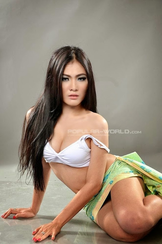 Foto Model Hot & Seksi Nisa Beiby