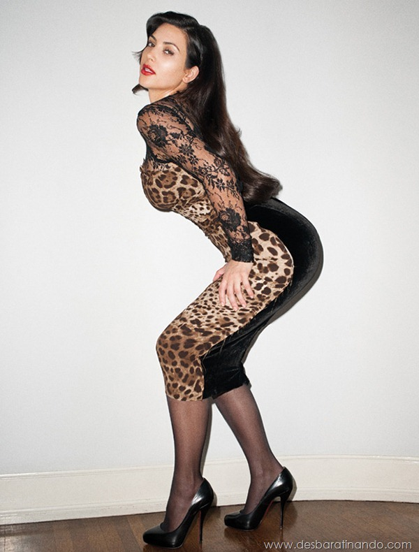 kim-kardashian-linda-sensual-sexy-sedutora-boob-peitos-decote-ass-bunda-gostosa-desbaratinando-sexta-proibida (138)
